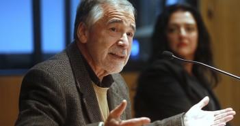 Profesor Juan Pablo Toro, quien estuvo a cargo de los comentarios