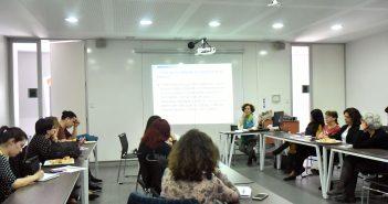 Ximena Díaz del Centro de Estudios de la Mujer, expuso en este coloquio basado en un proyecto Fondecyt