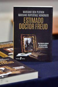 """El libro ya se encuentra disponible en librería """"Contrapunto"""" y otras del país"""